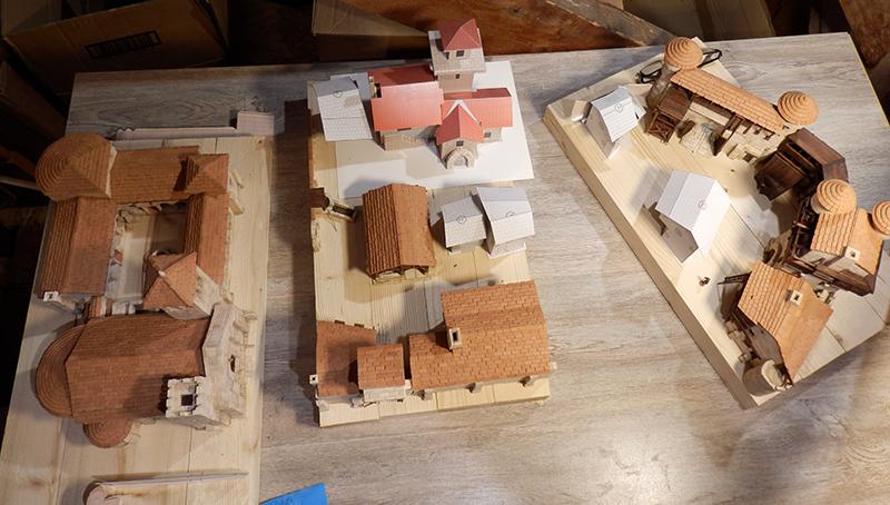 Village médiéval fortifié (1) - Page 22 P7090024