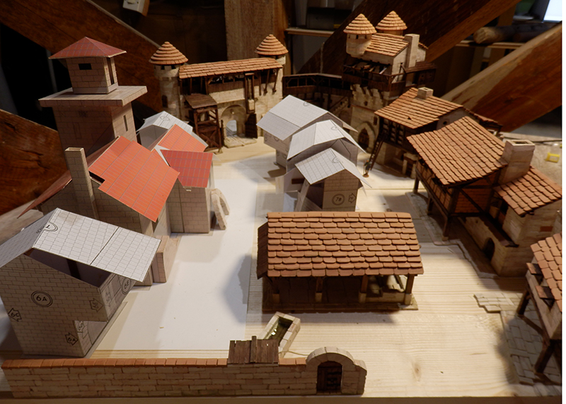 Village médiéval fortifié (1) - Page 22 P7090025