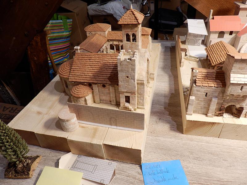 Village médiéval fortifié (1) - Page 22 P7090030