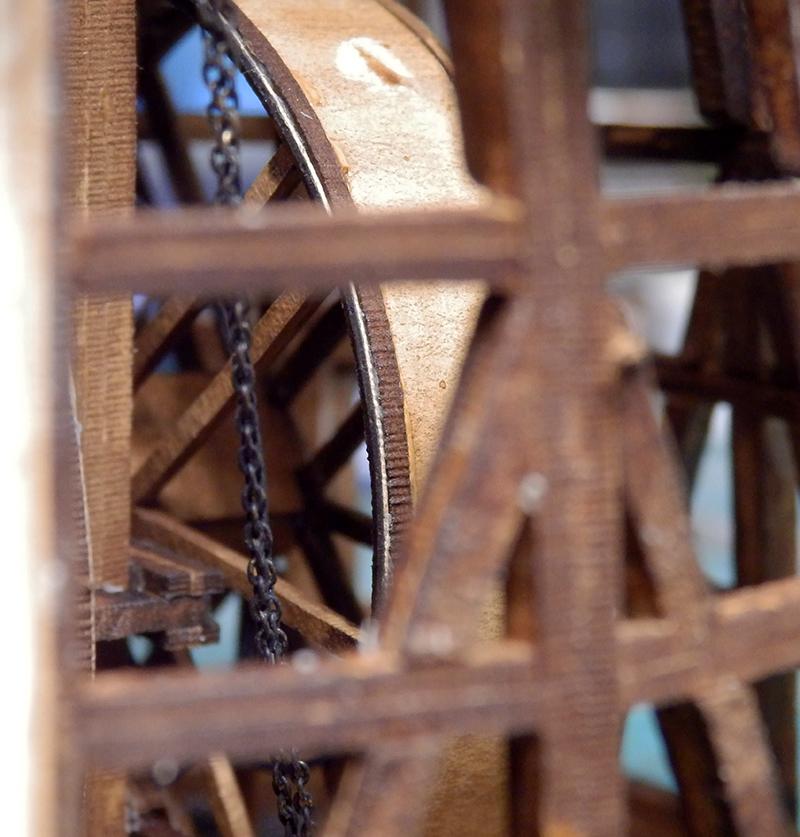 Grue portuaire 18è siècle P8220016