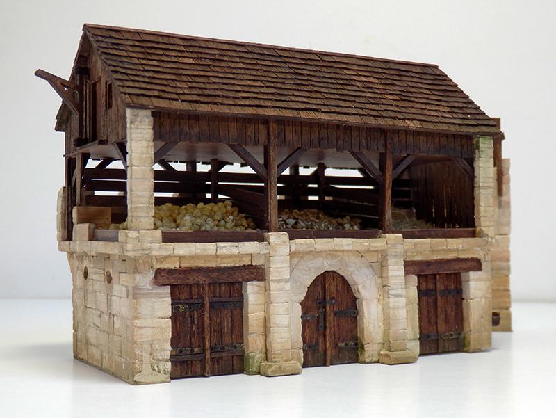 Village médiéval fortifié - Page 25 P9090015