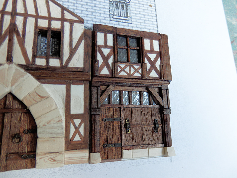 Village médiéval fortifié - Page 28 Pa110011