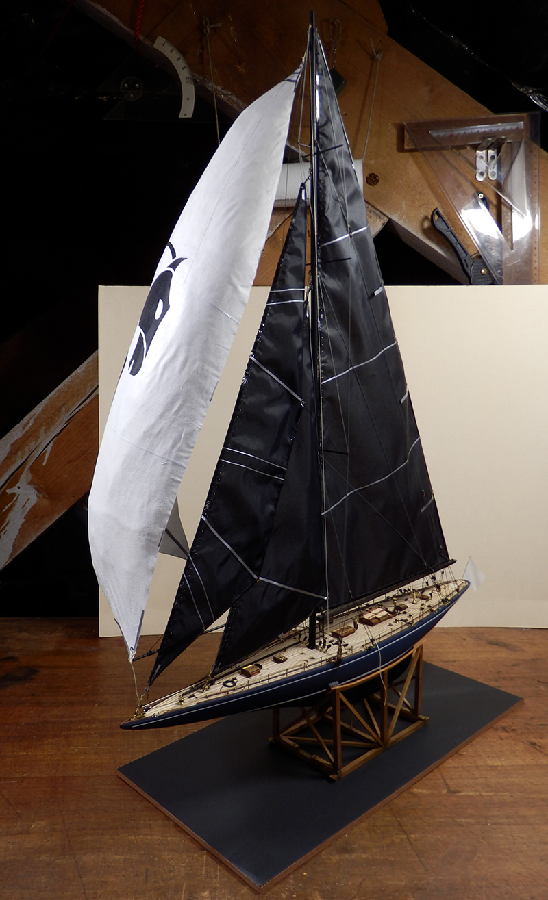 Endeavour 1934 - yacht J-class - 1:80 Amati - Page 5 Pa290012