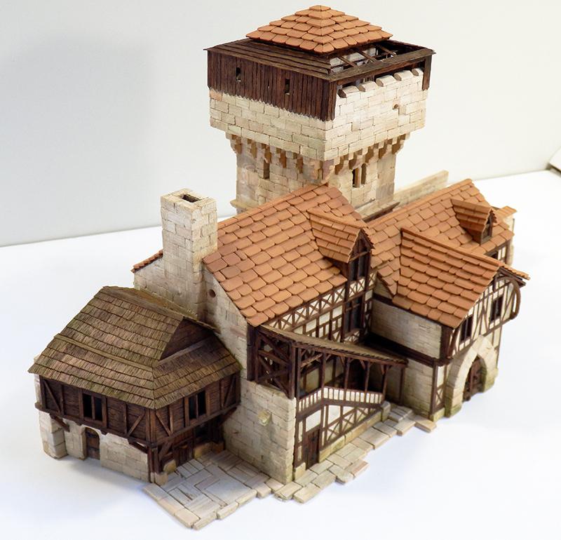 Village médiéval fortifié 14è- bastide - éch1:87 Pb030040