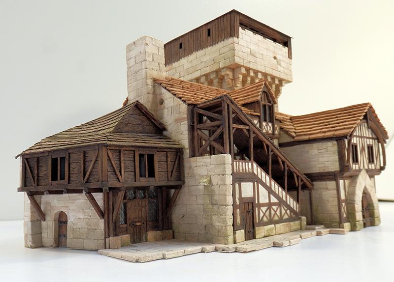 Village médiéval fortifié 14è- bastide - éch1:87 Pb030041