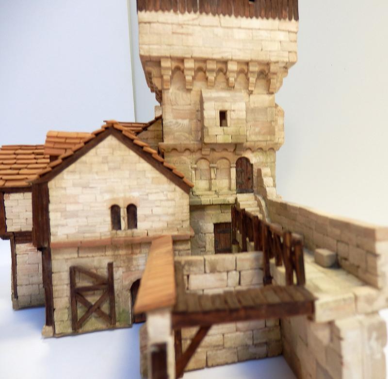 Village médiéval fortifié 14è- bastide - éch1:87 Pb030042