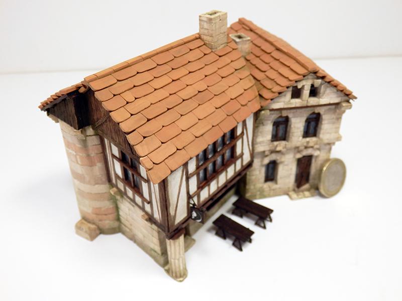 Village médiéval fortifié 14è- bastide - éch1:87 Pb210030