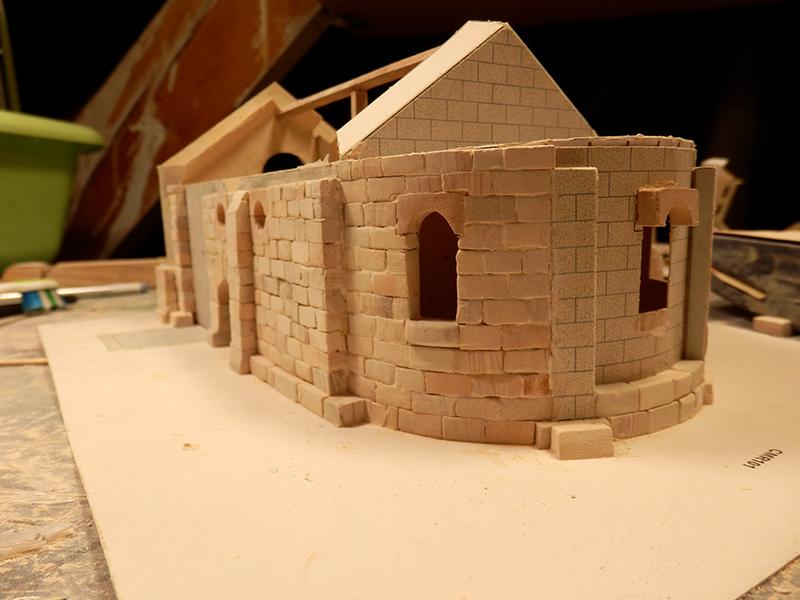 Village médiéval fortifié - Page 2 Pb280010