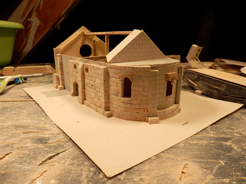 Village médiéval fortifié - Page 2 Pb280011