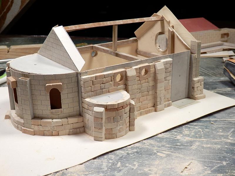 Village médiéval fortifié - Page 2 Pb280013