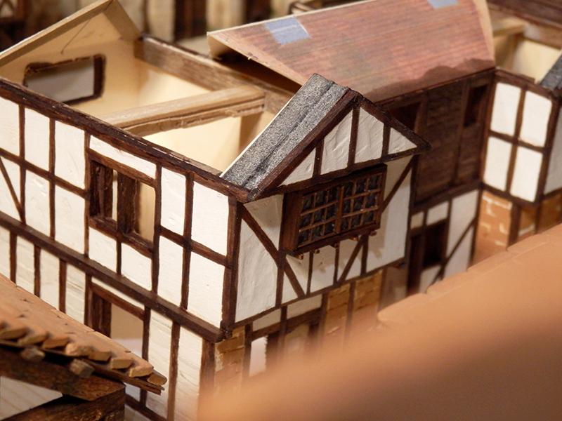 Village médiéval fortifié (1) - Page 36 Pc060017