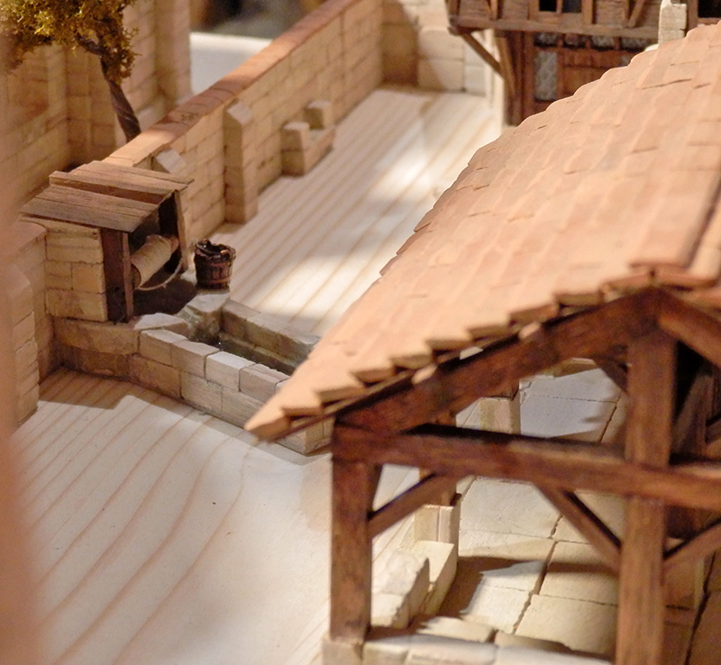 Village médiéval fortifié (1) - Page 36 Pc060022