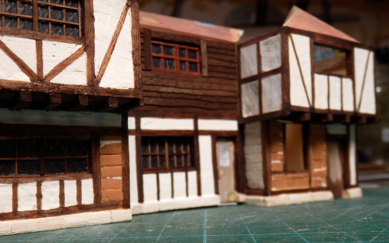 Village médiéval fortifié (1) - Page 36 Pc060027