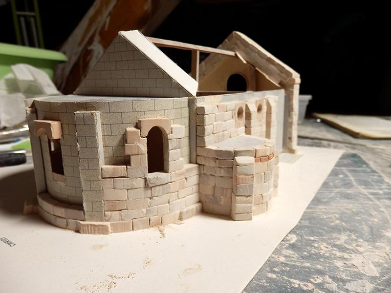 Village médiéval fortifié (1) - Page 3 Pc090010