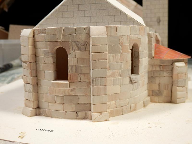Village médiéval fortifié (1) - Page 3 Pc120010