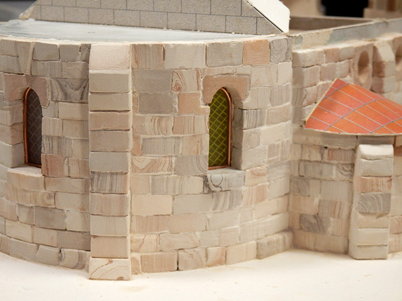 Village médiéval fortifié (1) - Page 4 Pc150010