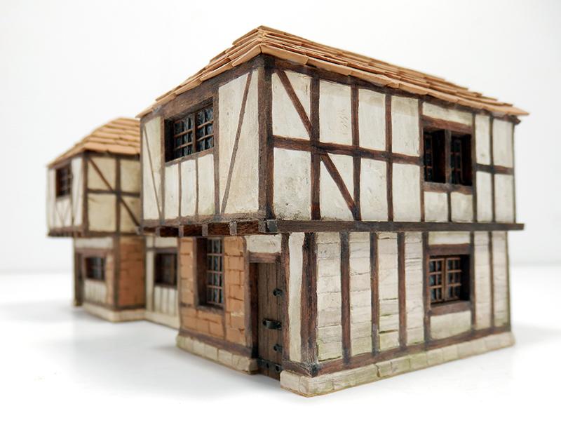 Village médiéval fortifié 14è- bastide - éch1:87 Pc190047