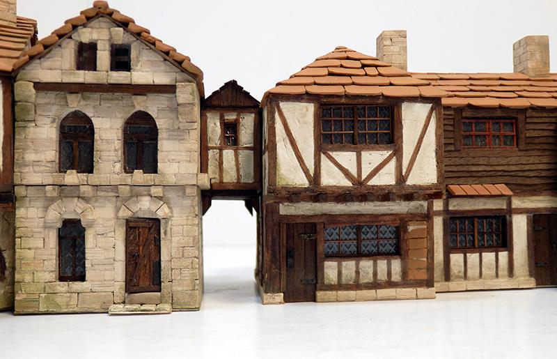 Village médiéval fortifié 14è- bastide - éch1:87 Pc190053