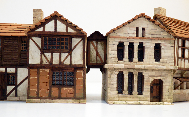 Village médiéval fortifié 14è- bastide - éch1:87 Pc190055