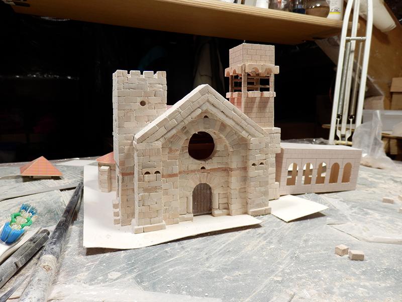 Village médiéval fortifié (1) - Page 4 Pc240010