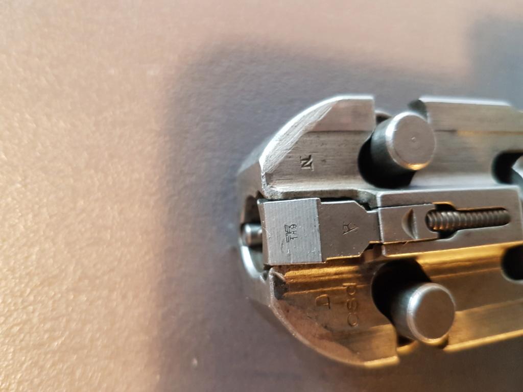 Présentation culasse,canon , bipied et crosse de ma MG 42 20181014