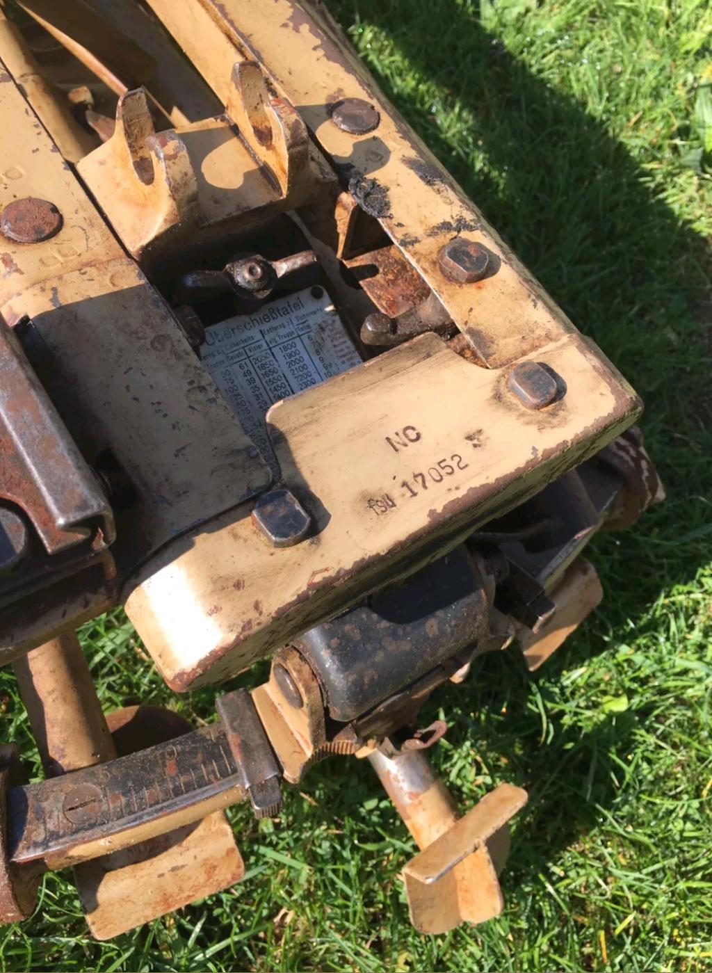 Magnifique lafette MG 42 Sable . Besoin d'info  20181111