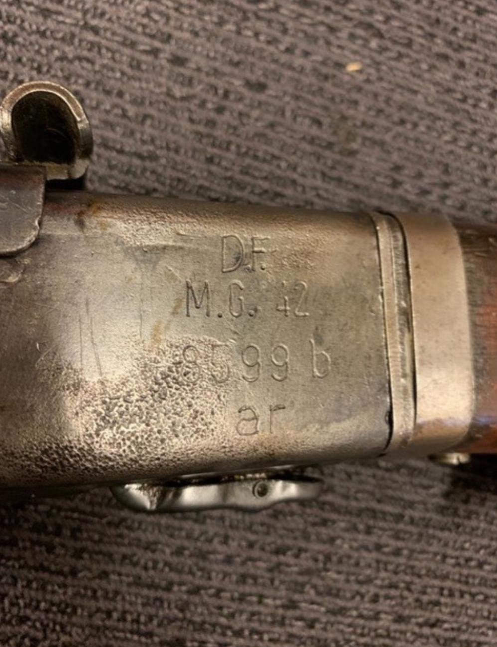 Une Comparaison de marquages du comment du pourquoi sur une arme a l'autre.. 20200713