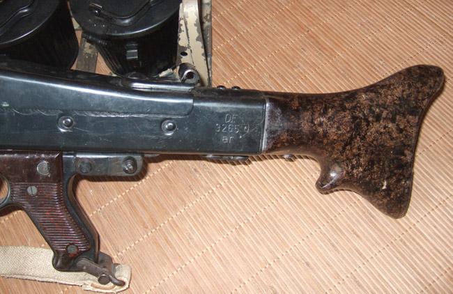 Une Comparaison de marquages du comment du pourquoi sur une arme a l'autre.. 22348010