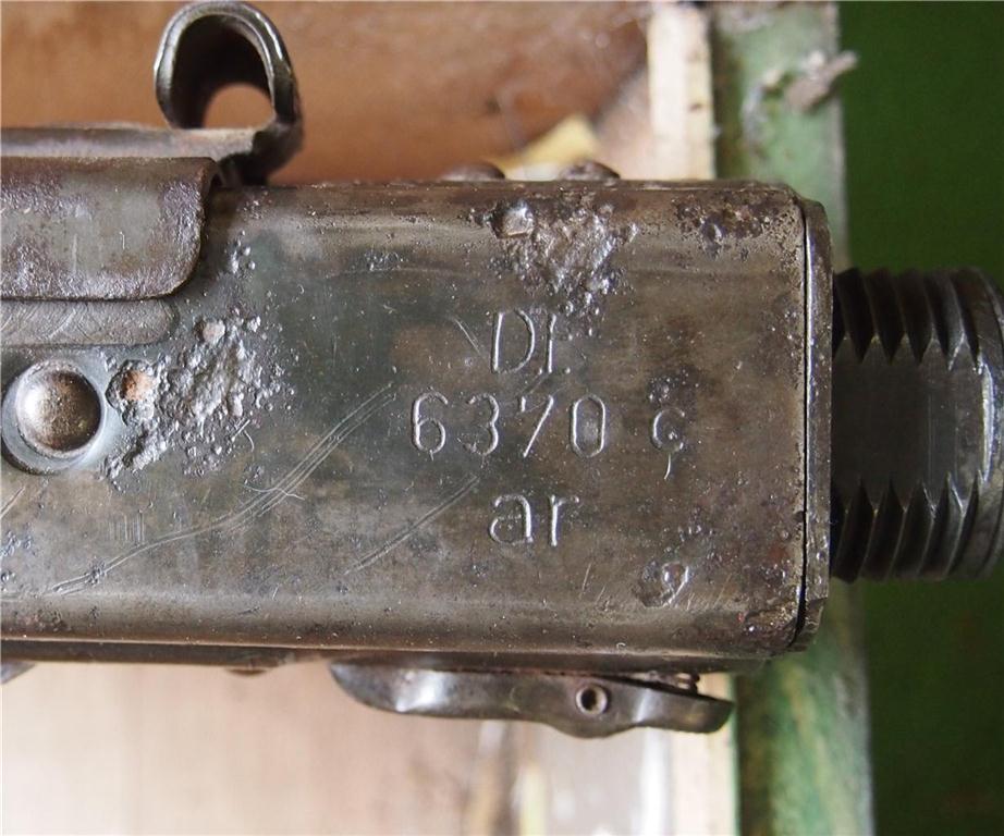 Une Comparaison de marquages du comment du pourquoi sur une arme a l'autre.. Mg42ar10