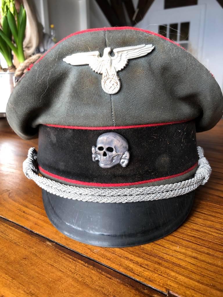 Casquette a vissière de la Waffen SS / Artillerie  Unifor11