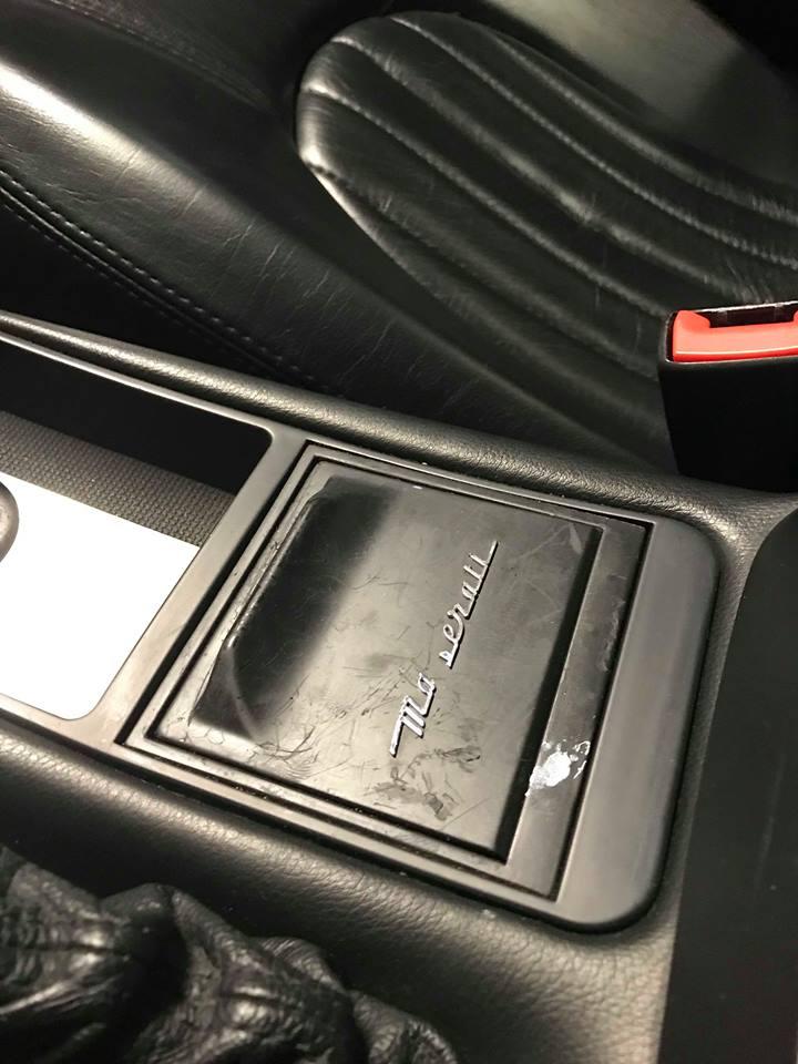 Recherche cendrier et logo cendrier Maserati 4200 45421911