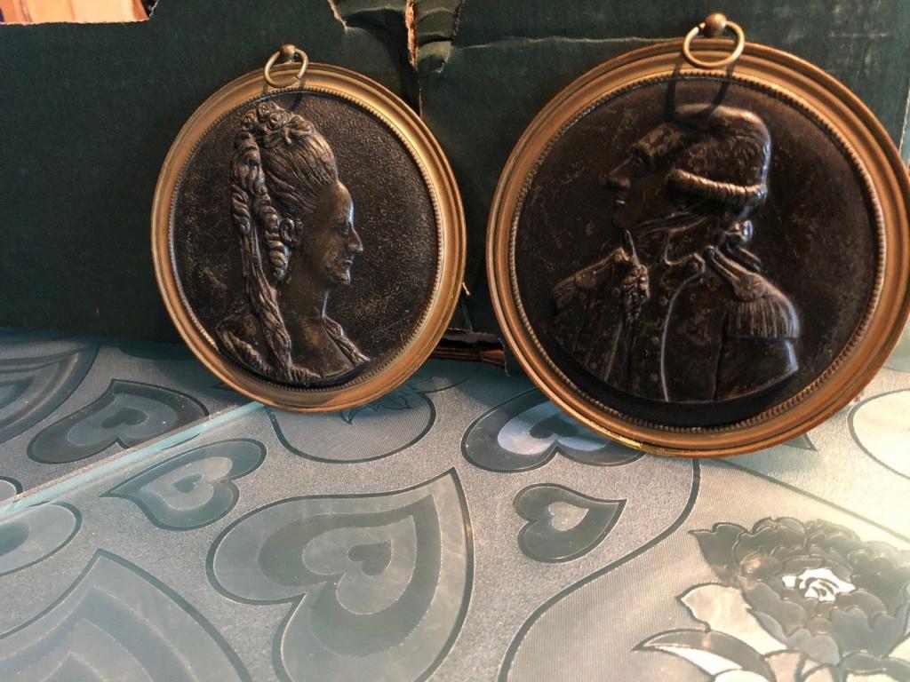 Pièces, médailles et médaillons mis en vente - Page 6 Medail10
