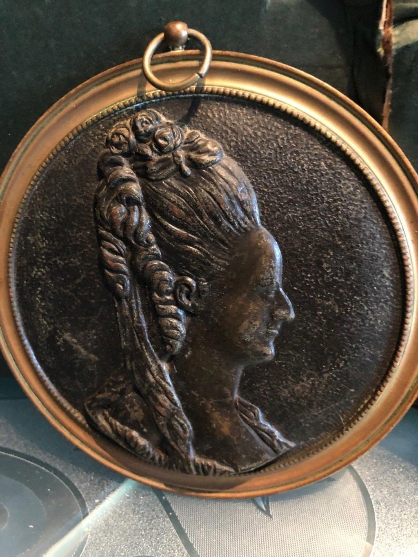 Pièces, médailles et médaillons mis en vente - Page 6 Medail11