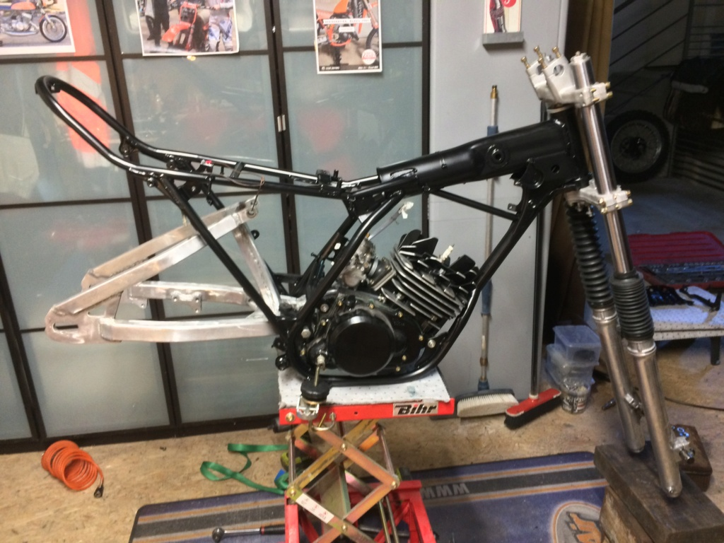 Enfin ma DTMX 125.  Img_3812