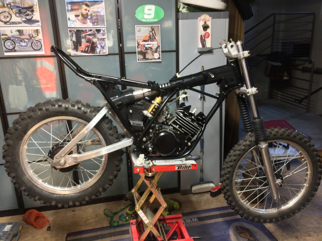 Enfin ma DTMX 125.  Img_3814