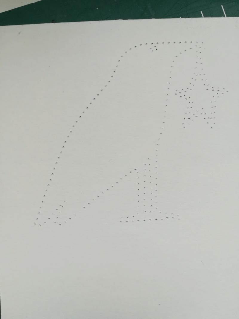 Pointillés sur silhouette Img_2081