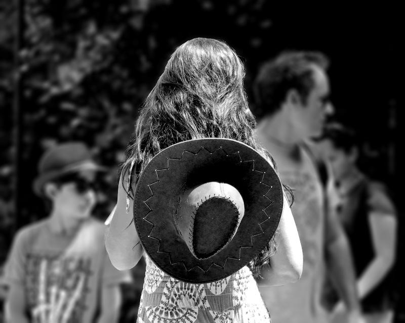La femme au chapeau 20052910