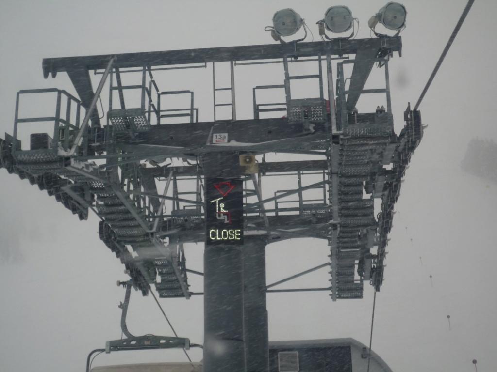 Les panneaux à l'arrivée des Télésièges P1050965