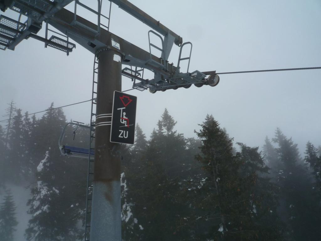 Les panneaux à l'arrivée des Télésièges P1060079