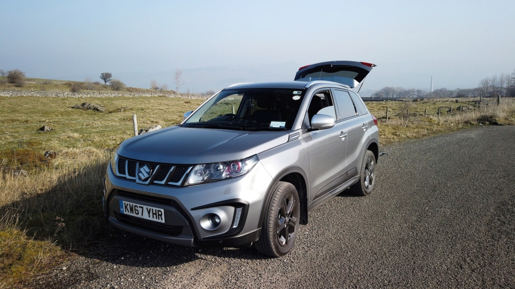 Vitara in the peakdistrict (Castleton) Dji_0512