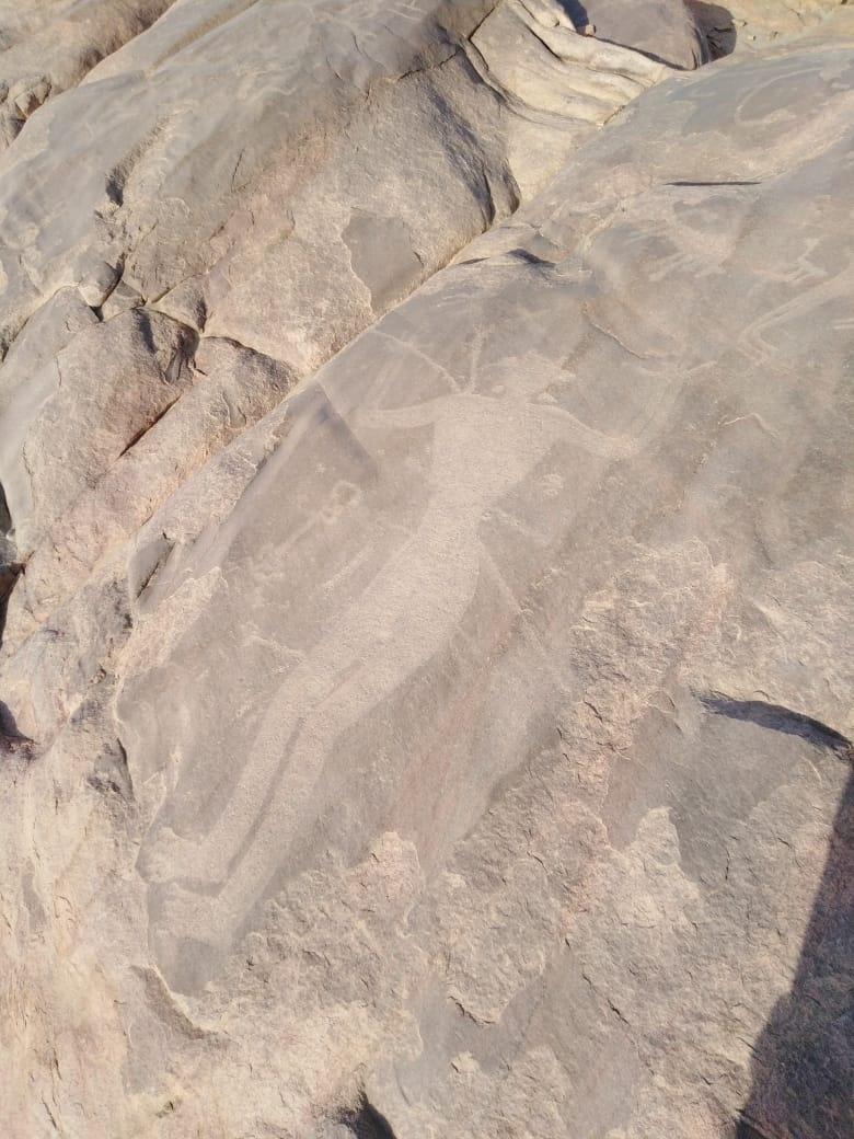 اشارتي شمس على نفس الصخرة - صفحة 2 Eeeoei10