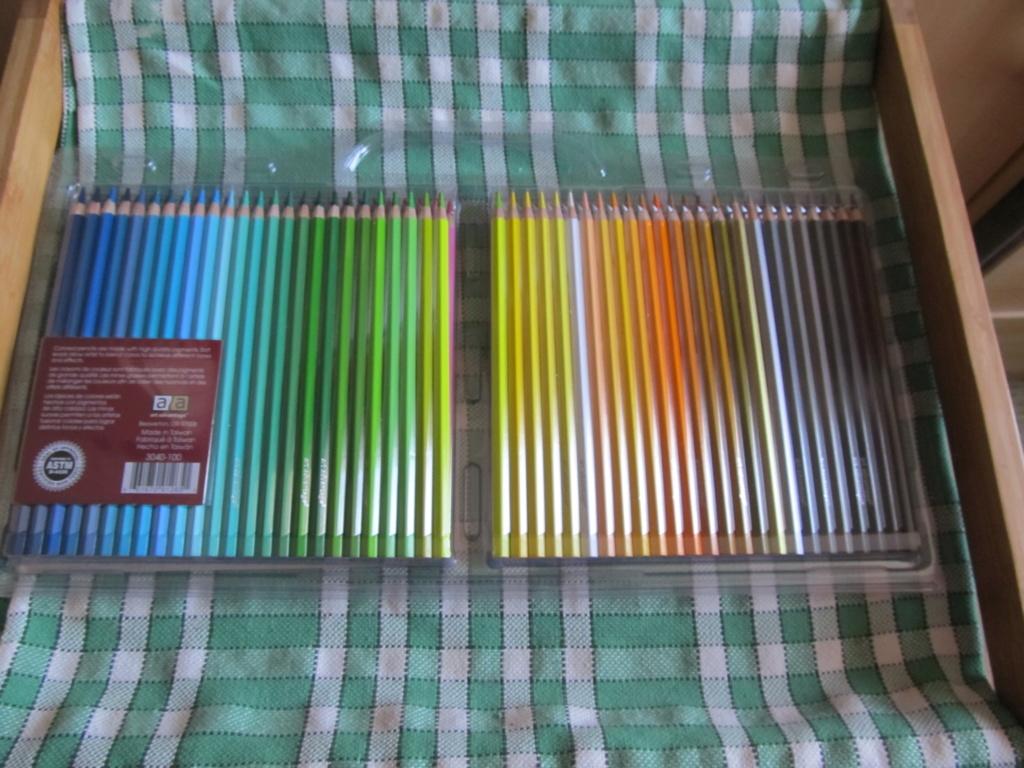 100 Crayons de couleur de chez NOZ Img_2611