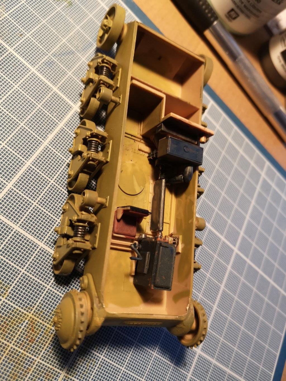 Trumpeter 1/35 Obusier de 105mm sur chassis Hotchkiss H39 (39 H 10.5cm LeFH18(Sf) Img_2016