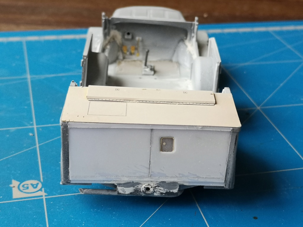 Tamiya Horch 4x4 Type 1A (1/35) + photodecoupe Eduard - Besoin d'aide SVP Img_2036