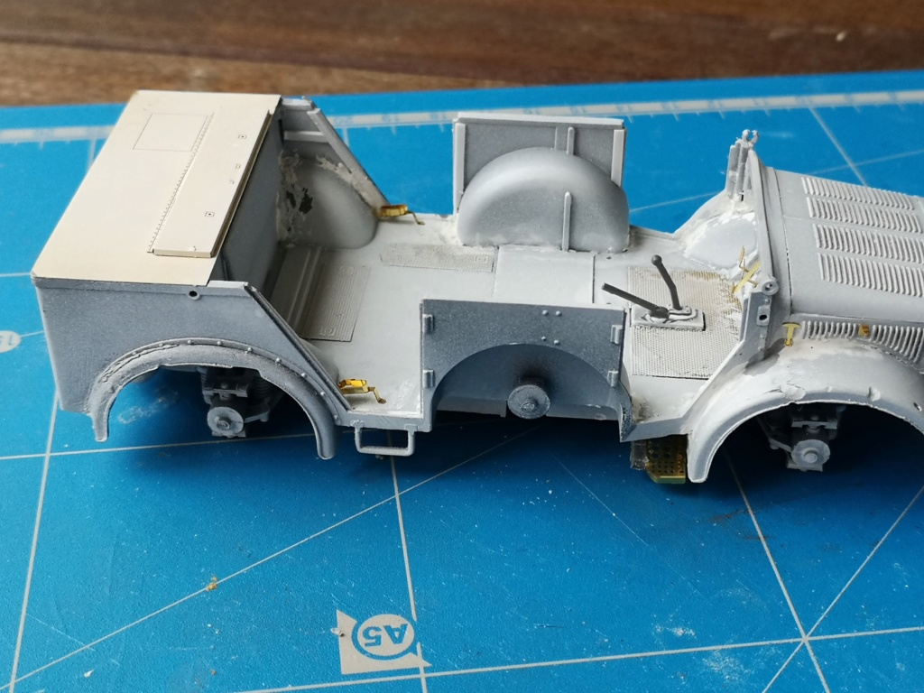 Tamiya Horch 4x4 Type 1A (1/35) + photodecoupe Eduard - Besoin d'aide SVP Img_2037