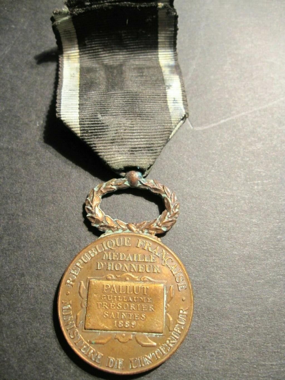 Lot de médailles militaria Aaa10