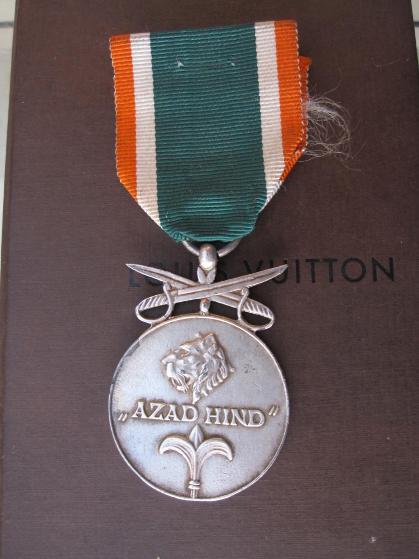 Médaille allemande azad Hind ww2 Img_6613