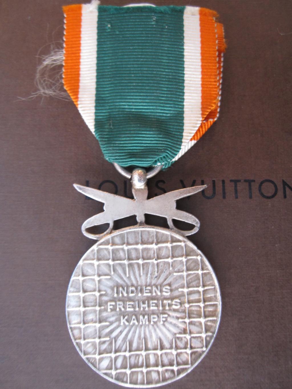 Médaille allemande azad Hind ww2 Img_6614