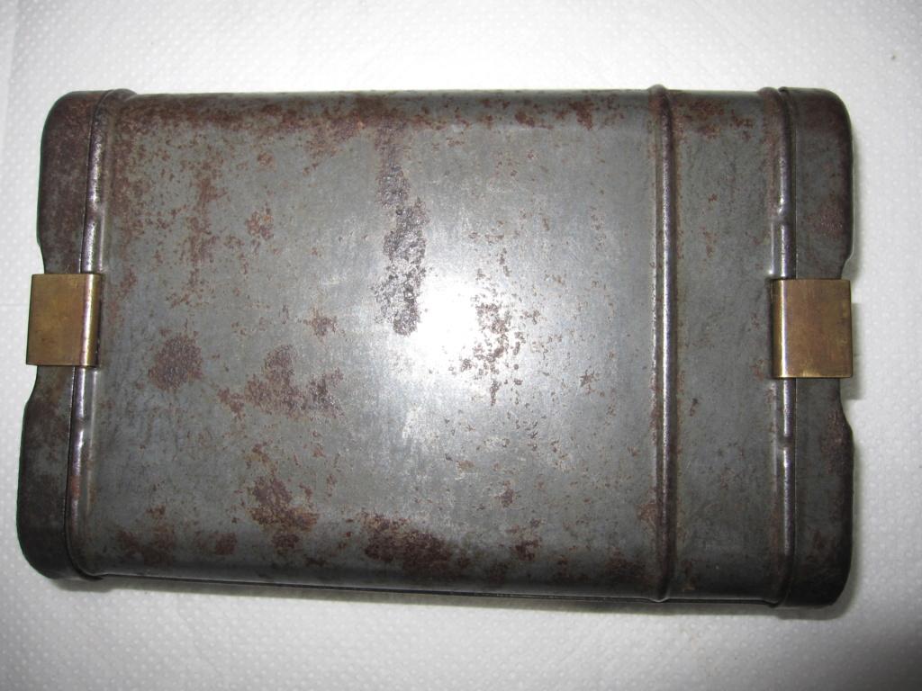 Boite d'outils de nettoyage de fusil ww2 allemande Img_6828