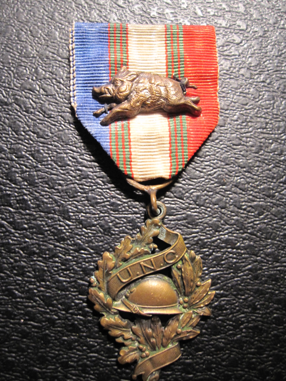 Médaille avec un sanglier Img_6913